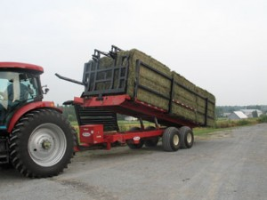 Square bale handler with full load
